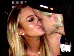 Lindsay Lohan and Samantha Ronson kissing