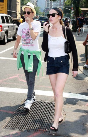 lindsay lohan and samantha ronson out in nyc-3