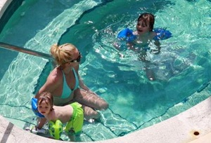 Britney Spears with Jayden and Sean poolside 3