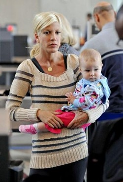 Tori and Dean at LAX-2